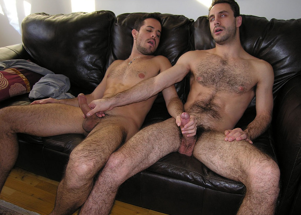Hot Amateur Dudes On Cam