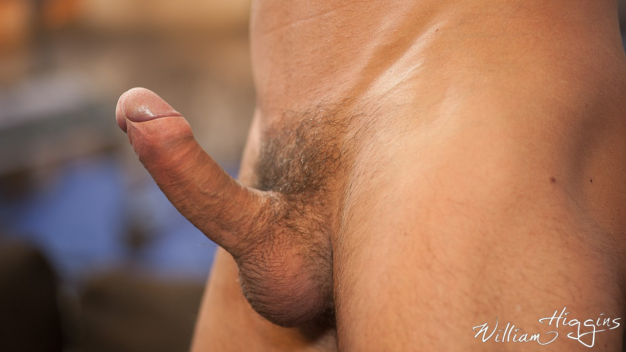 Martin Porter wanking his muscle dick 6
