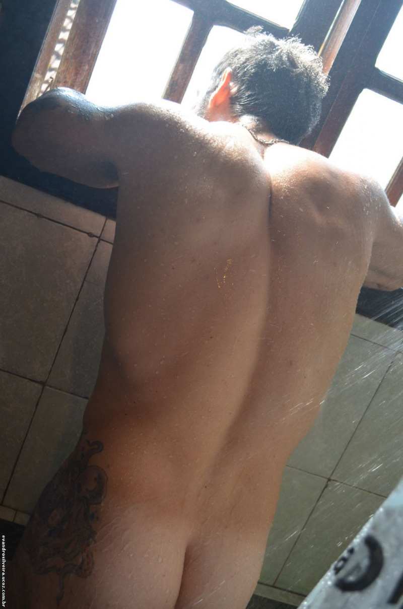 Former police officer Evandro Silveira has a great cock 3