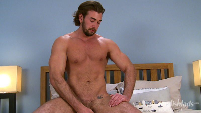 straight-guy-jack-off-will-templeton-wanking-uncut-muscle-cock 10