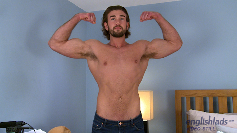 straight-guy-jack-off-will-templeton-wanking-uncut-muscle-cock 2