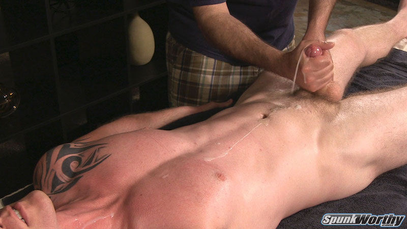 Straight guy hanjob leads to a massive squirting cumshot