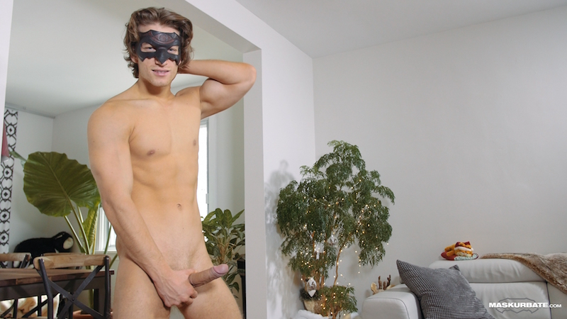 Horny jock jacking off on video