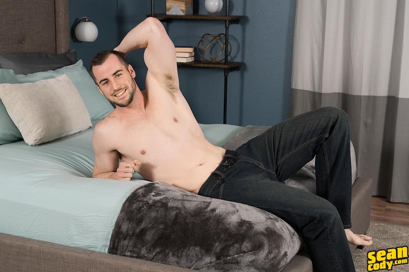 sexy straight jock in gay porn