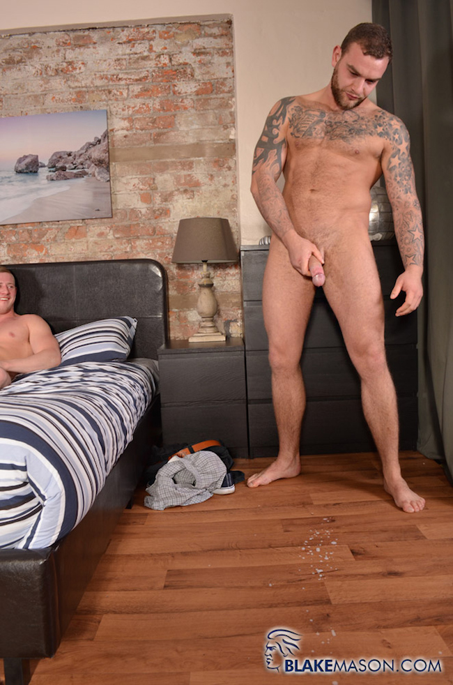 Straight guy cumming in front of his friend