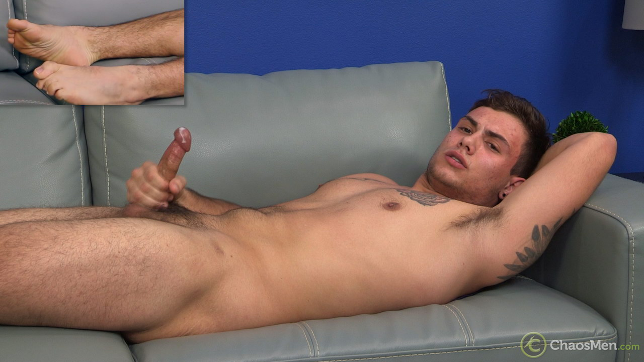 Straight guy Rhyce rubs one out 11