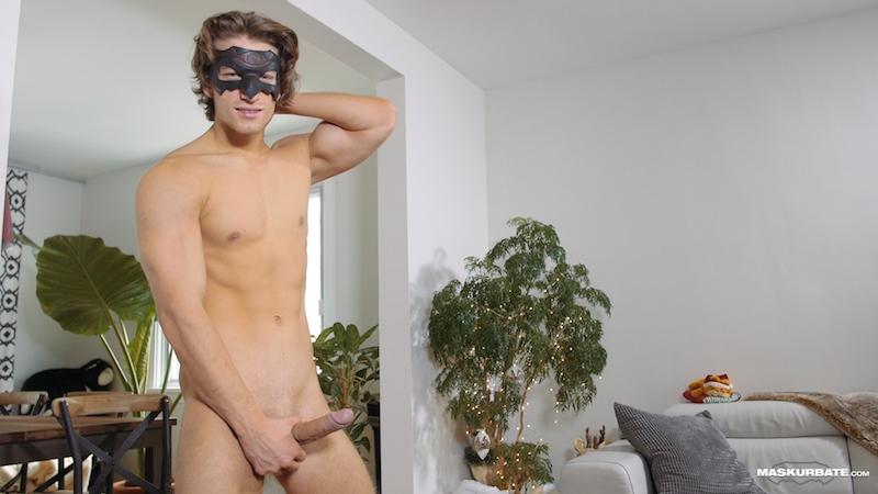 Horny jock jacking off on video