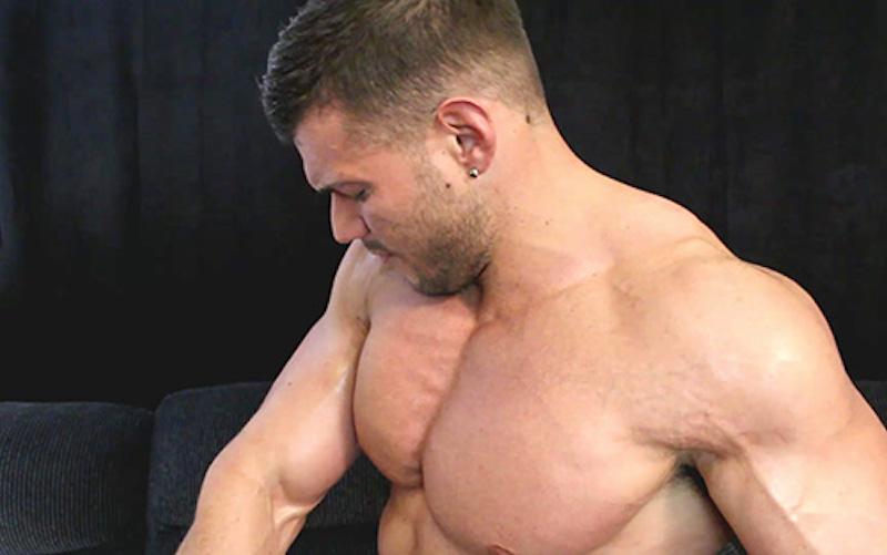 bodybuilder wanking video