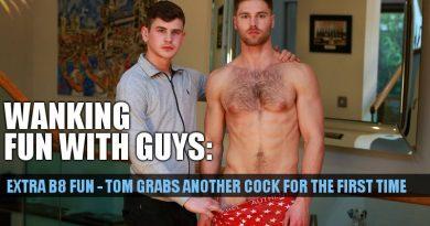 Bonus bate fun with straight boys Dominic Moore and Tom Lawson